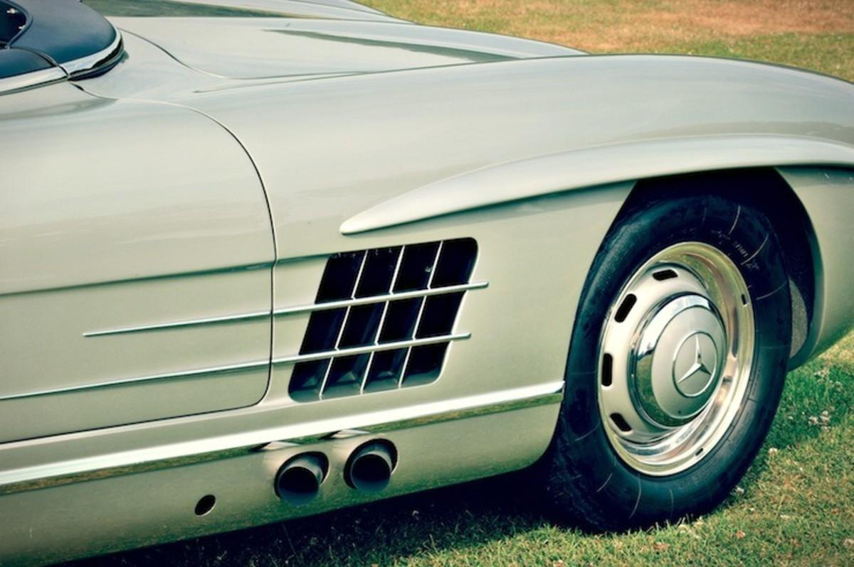 Mercedes-Benz-300-SLS-Racing-4