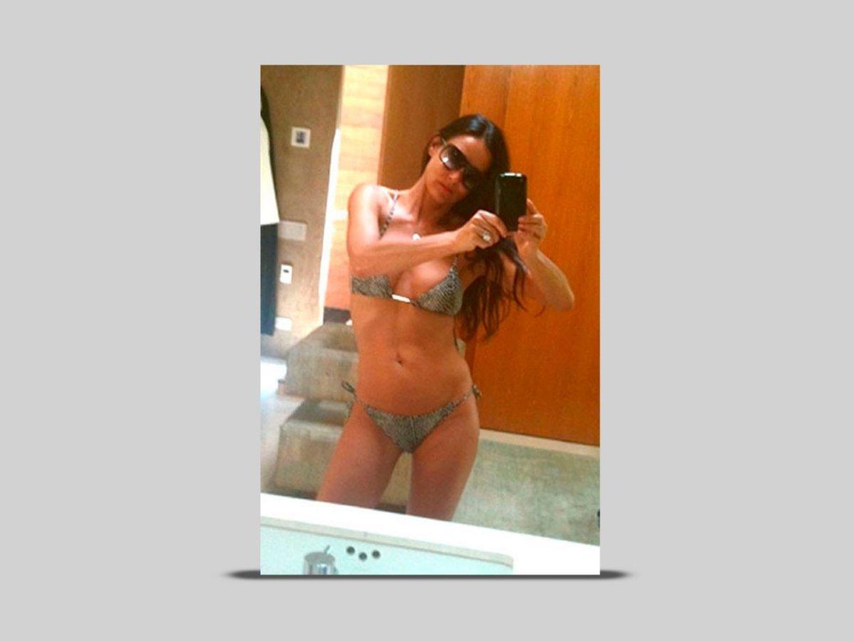 Hot-womens-selfies-demi-moore-43