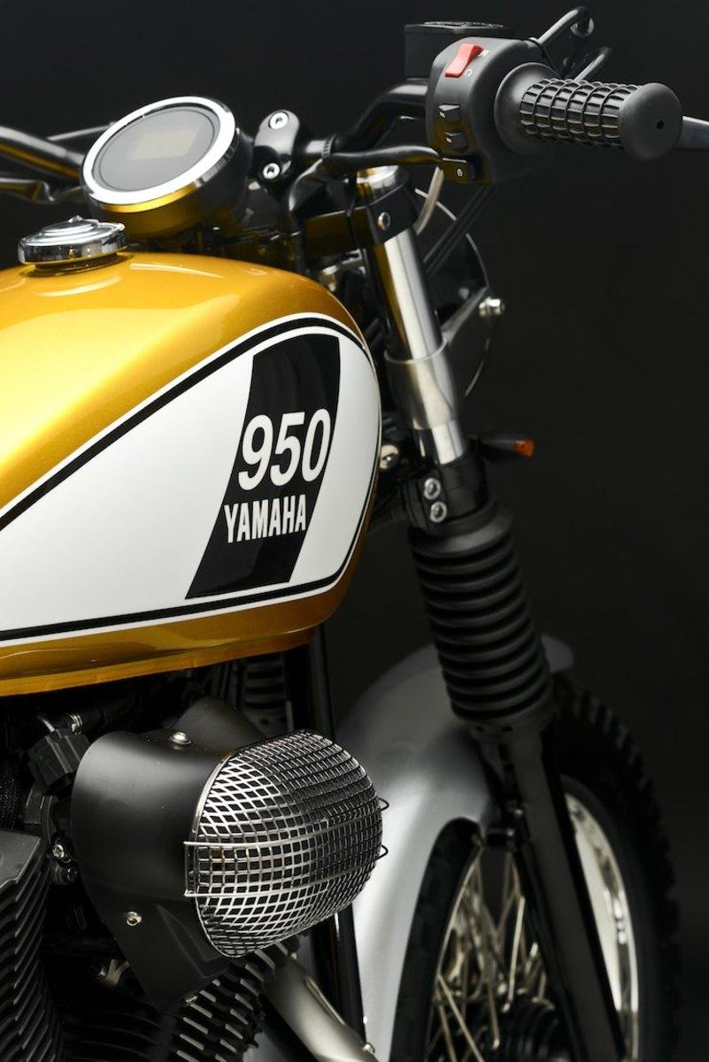 Yamaha-Bolt-Custom-111