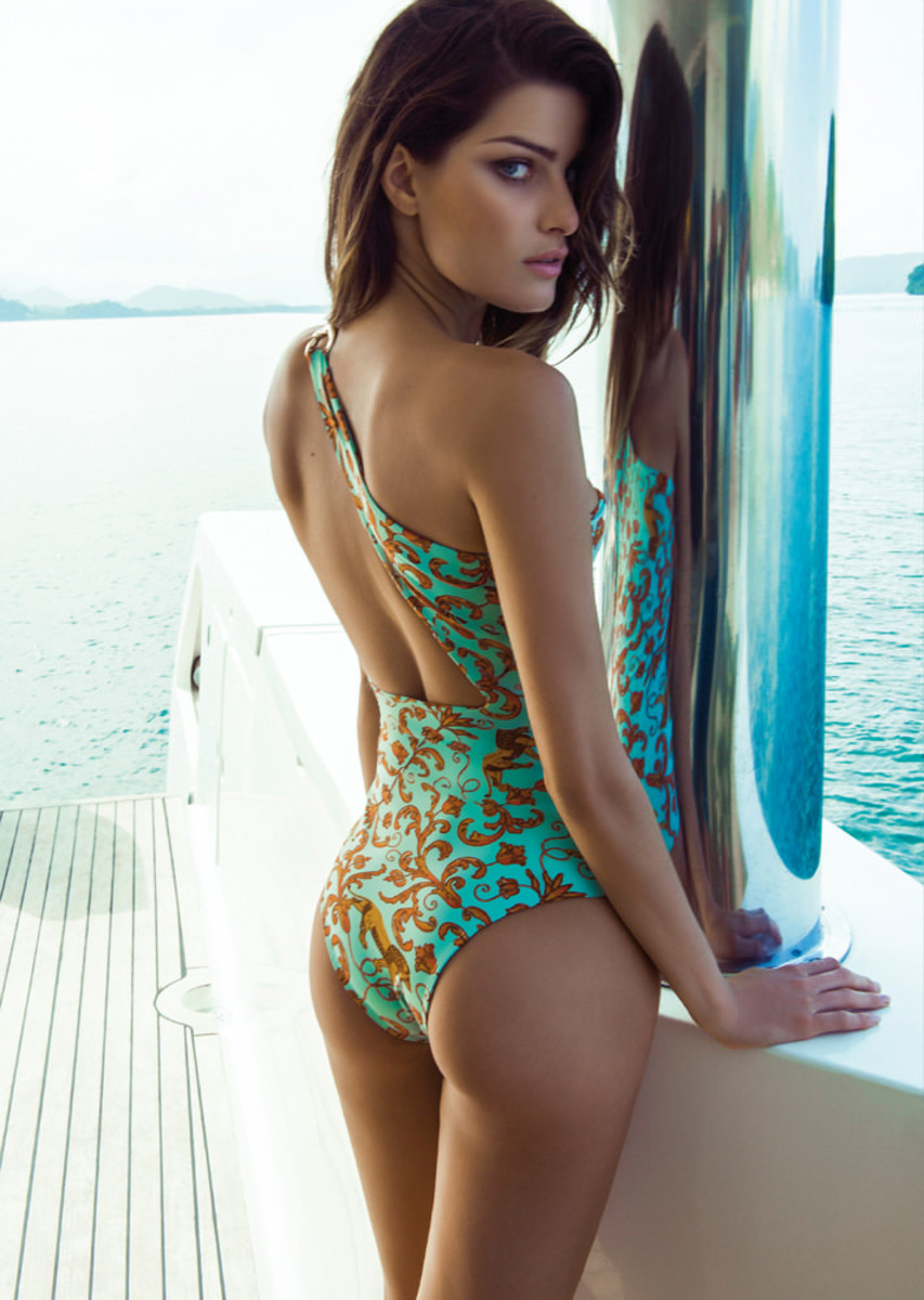Isabeli-Fontana-Morena-Rosa-swimwear-3