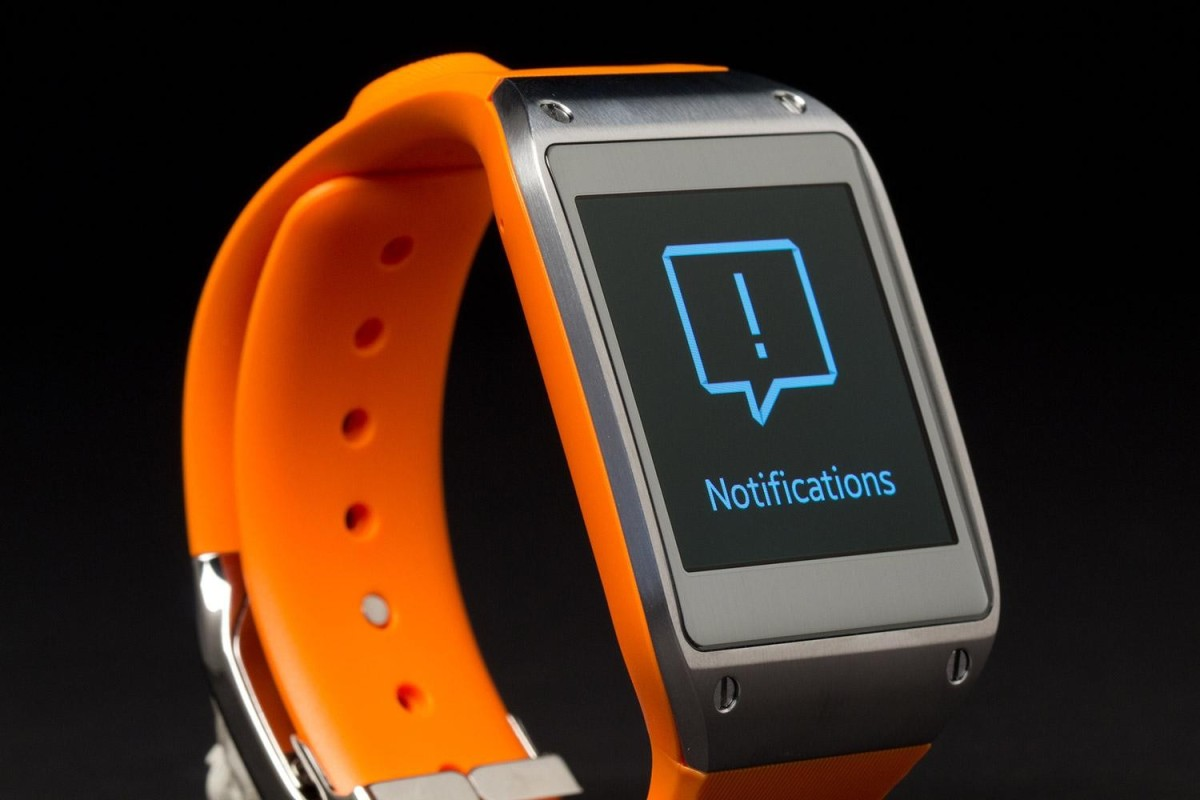 samsung-galaxy-gear-smartwatch-review-front-angle-1500x1000