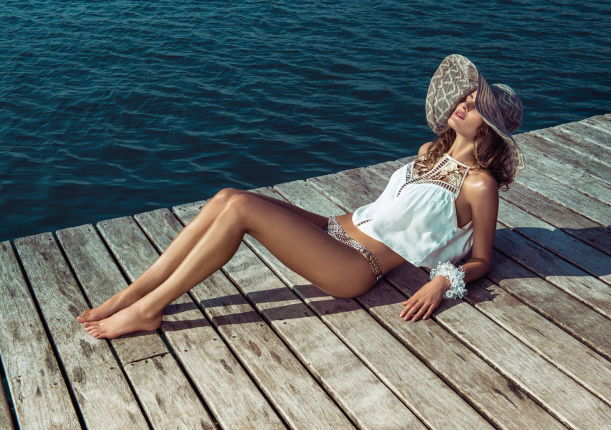 Isabeli-Fontana-Morena-Rosa-swimwear-19-1024x720