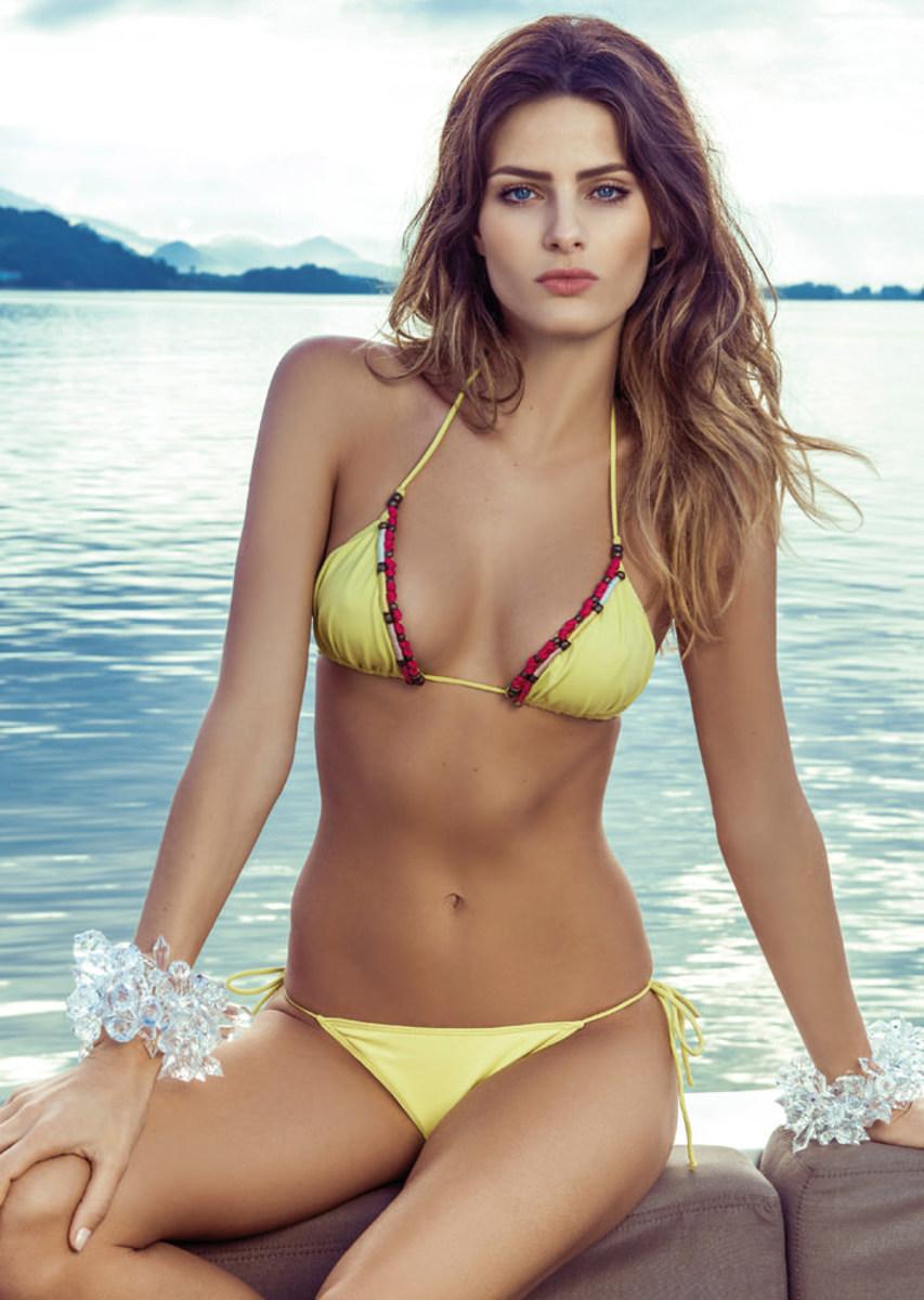 Isabeli-Fontana-Morena-Rosa-swimwear-6