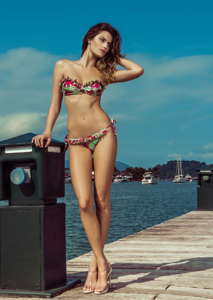 Isabeli-Fontana-Morena-Rosa-swimwear-4