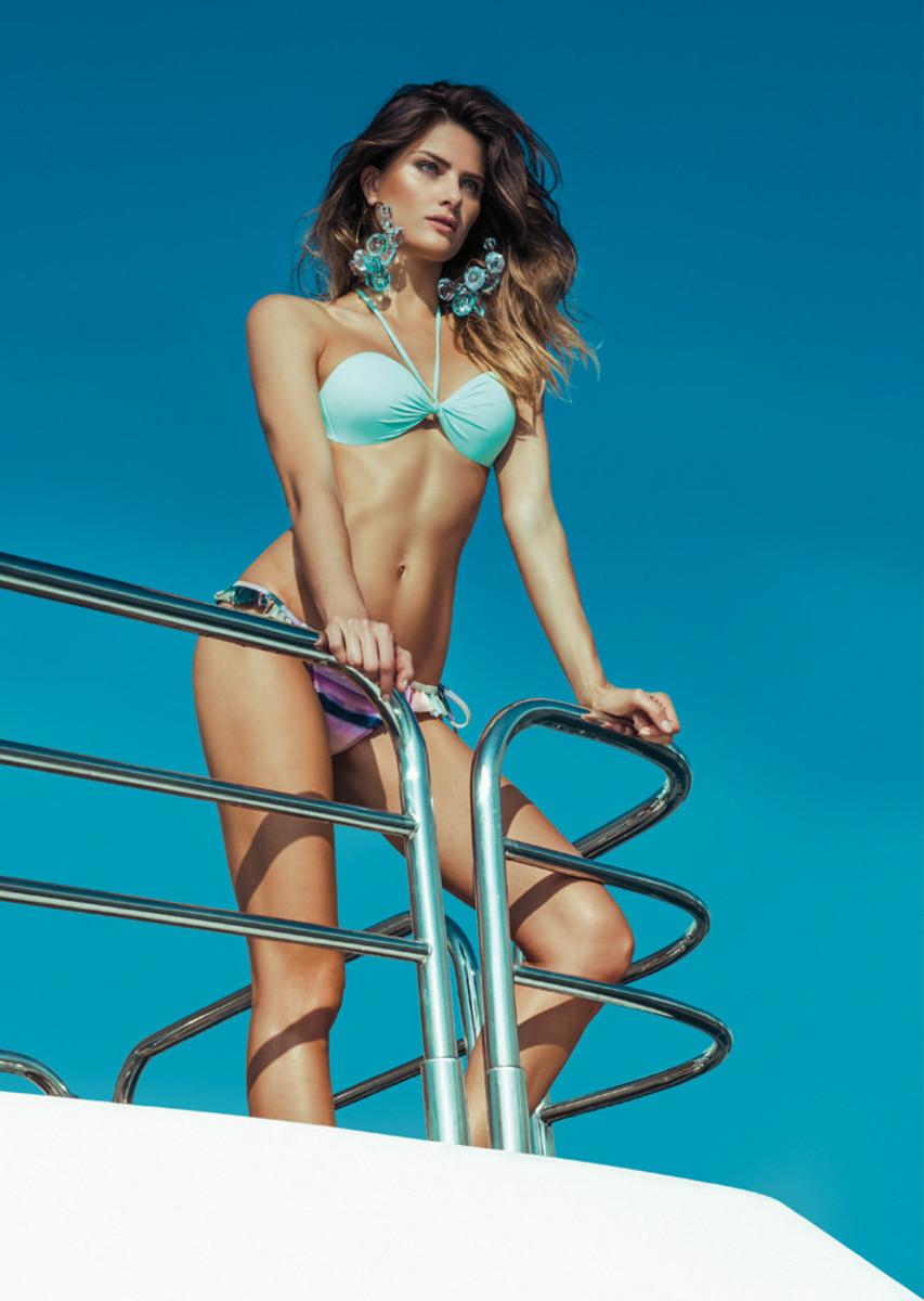 Isabeli-Fontana-Morena-Rosa-swimwear-7