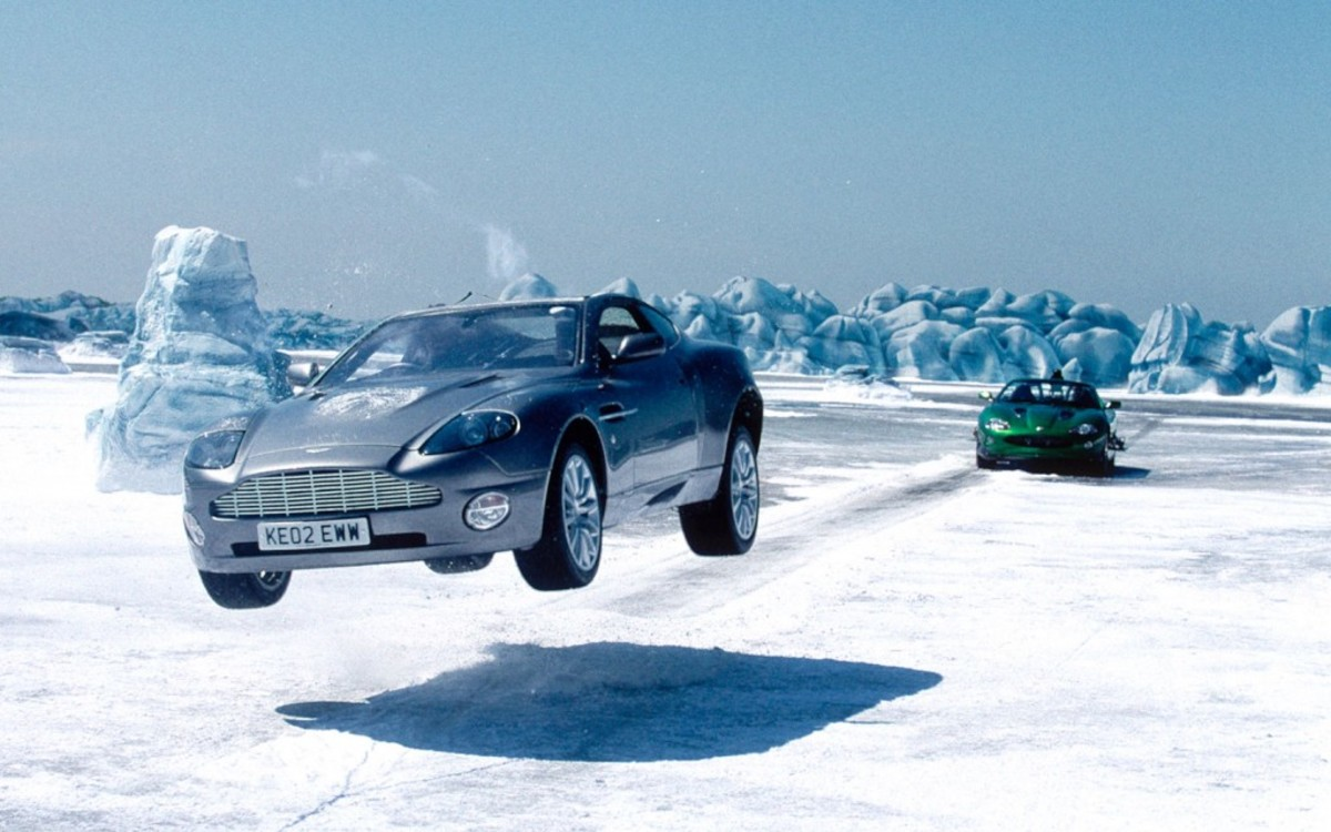 2002-Aston-Martin-Vanquish-James-Bond-chase-scene-1024x640
