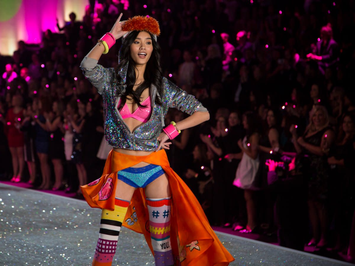 pink-also-includes-apparel-and-accessories-which-the-models-wore-in-the-show