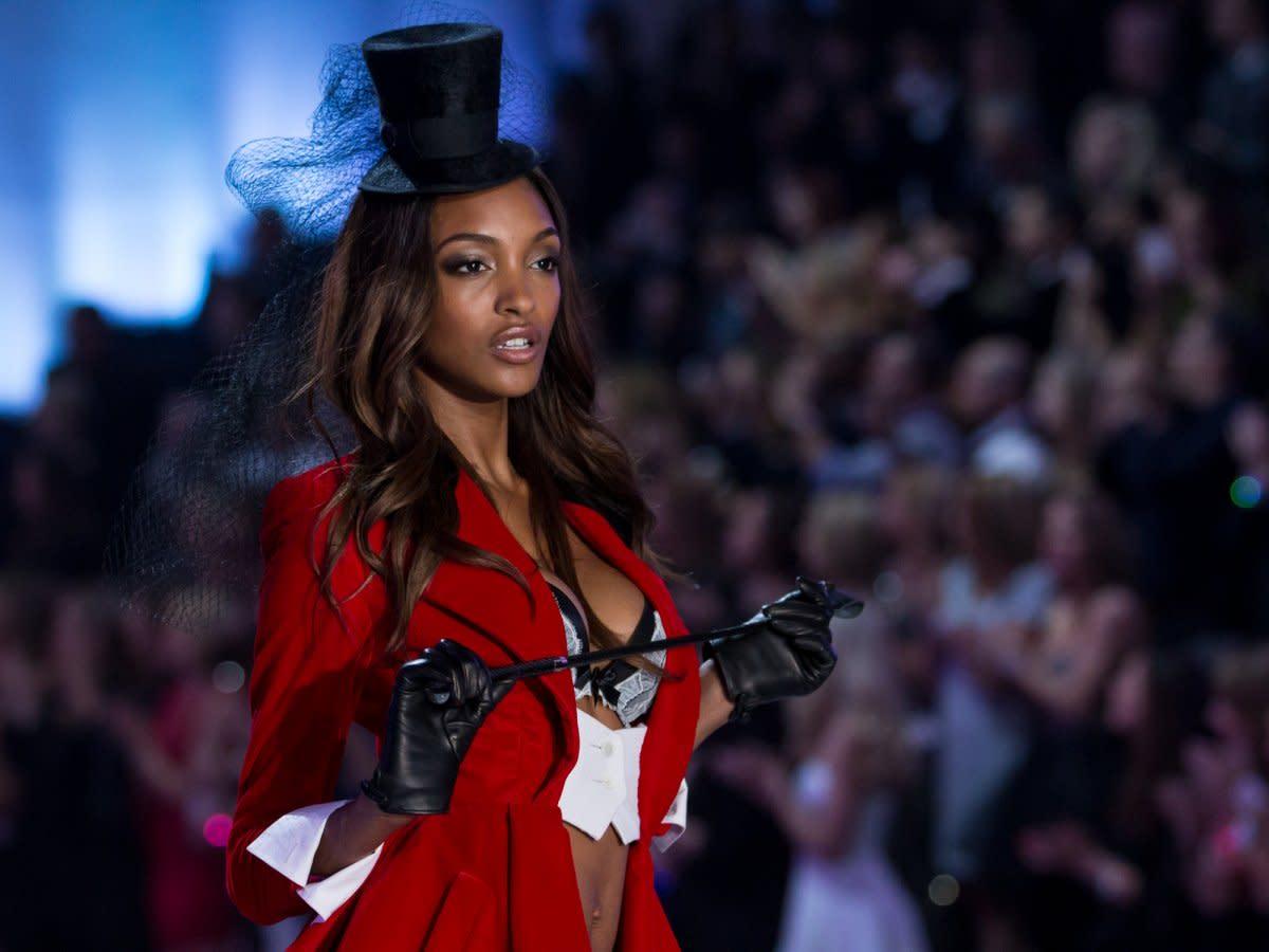 this-model-wears-a-fun-parisian-hat