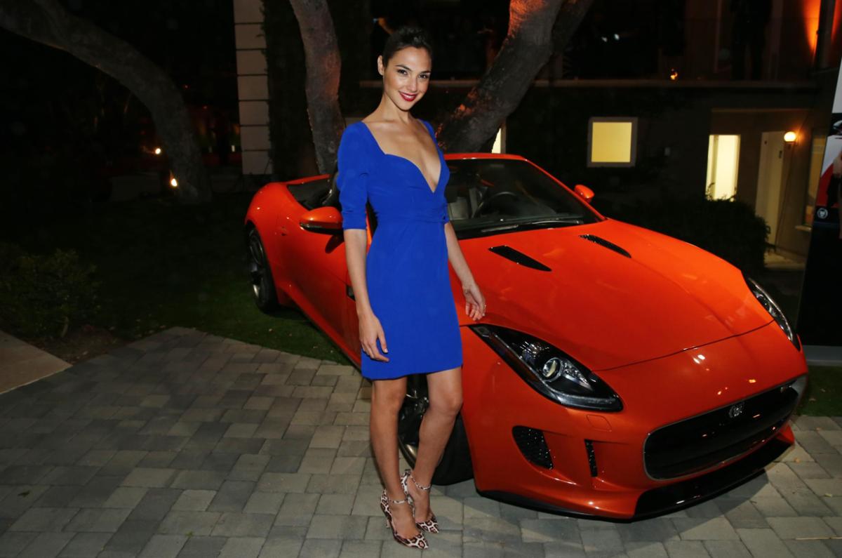 actress-gal-gadot-loves-the-jaguar-f-type-video_1