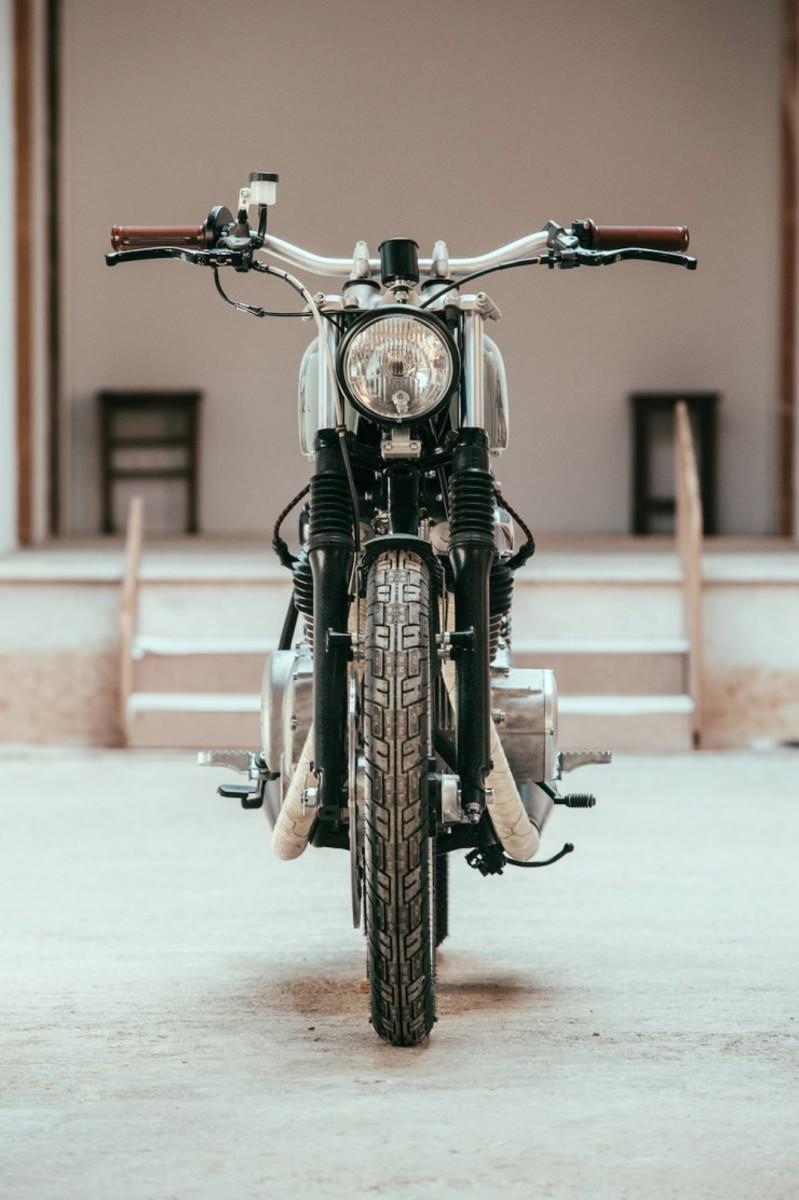 Yamaha-XS-400-Custom-4-740x1112