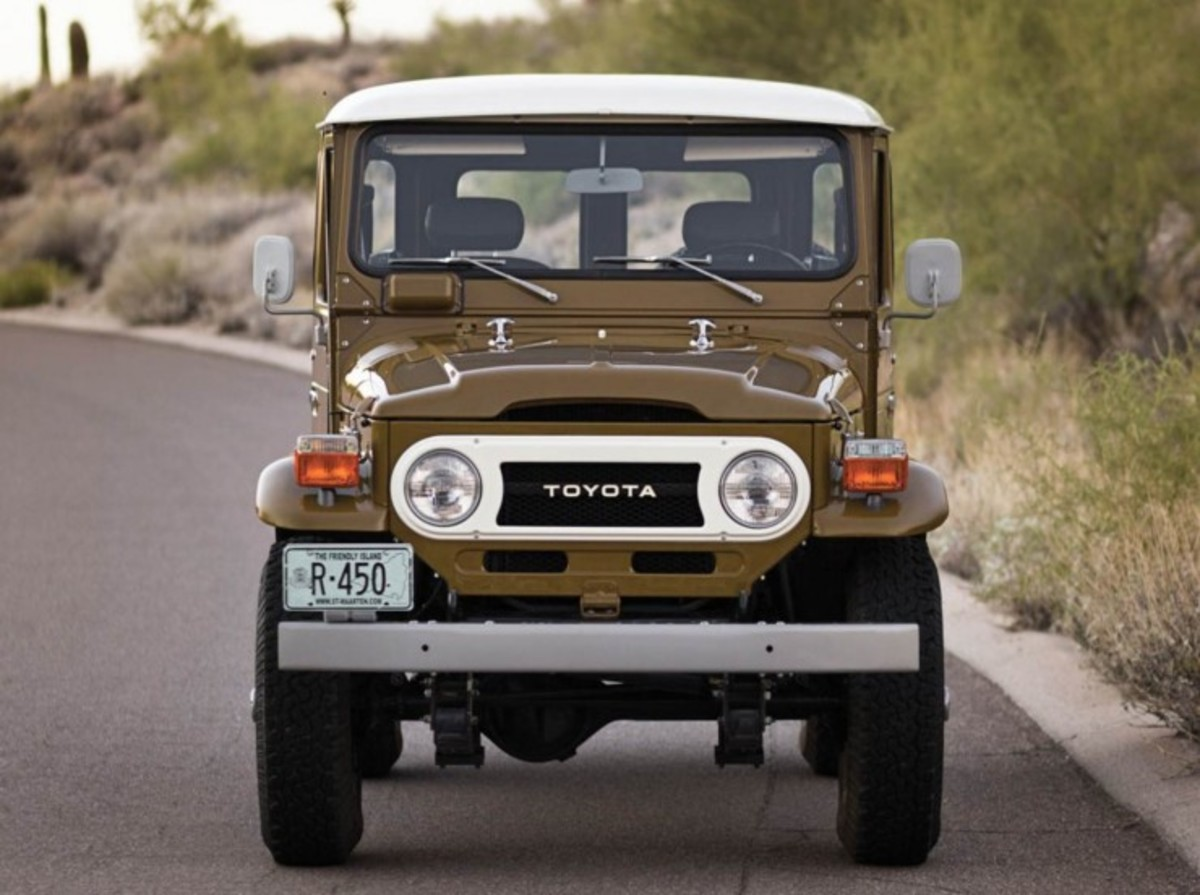 1977-Toyota-FJ40-Land-Cruiser-Front-740x552