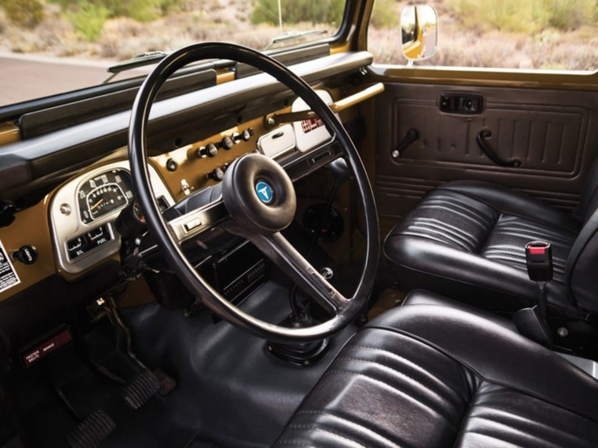 1977-Toyota-FJ40-Land-Cruiser-Steering-Wheel-740x554