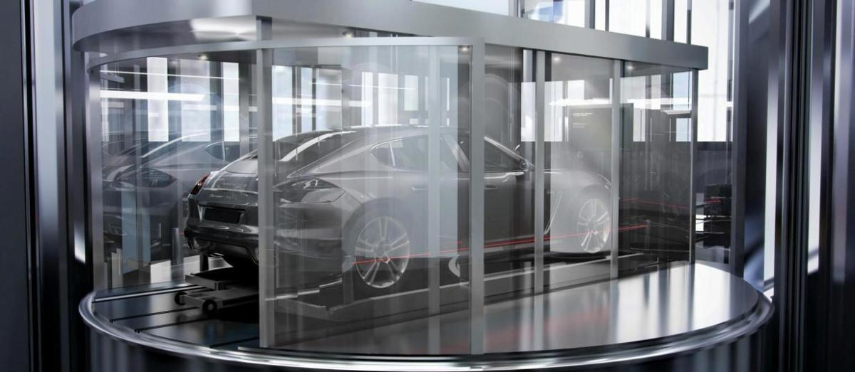 842ad91d-8470-495b-95d5-7e186ca853da_porsche-design-tower-on-elevator