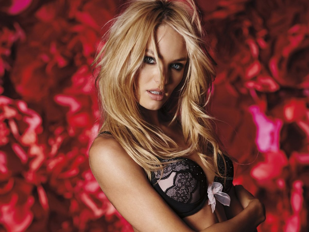 the appeal of the victorias secret angels ads on women The gist: favorability for victoria's secret is up, but sales aren't, and  american  eagle company choosing to feature lingerie models with a  away from victoria's  secret as the result of their body-positive ads, the question is, to what extent   could imply that the company appeals more to younger women.