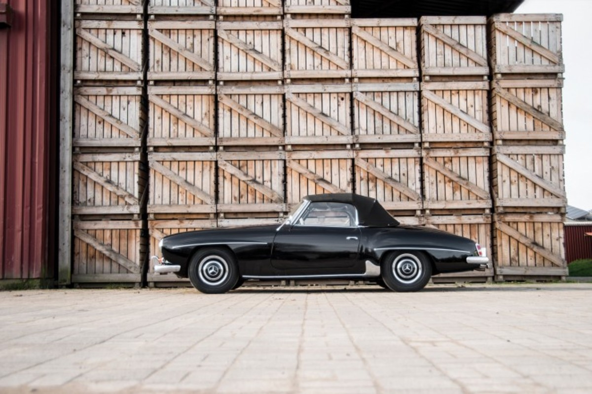 Mercedes-Benz-190-SL-Roadster-4-740x493