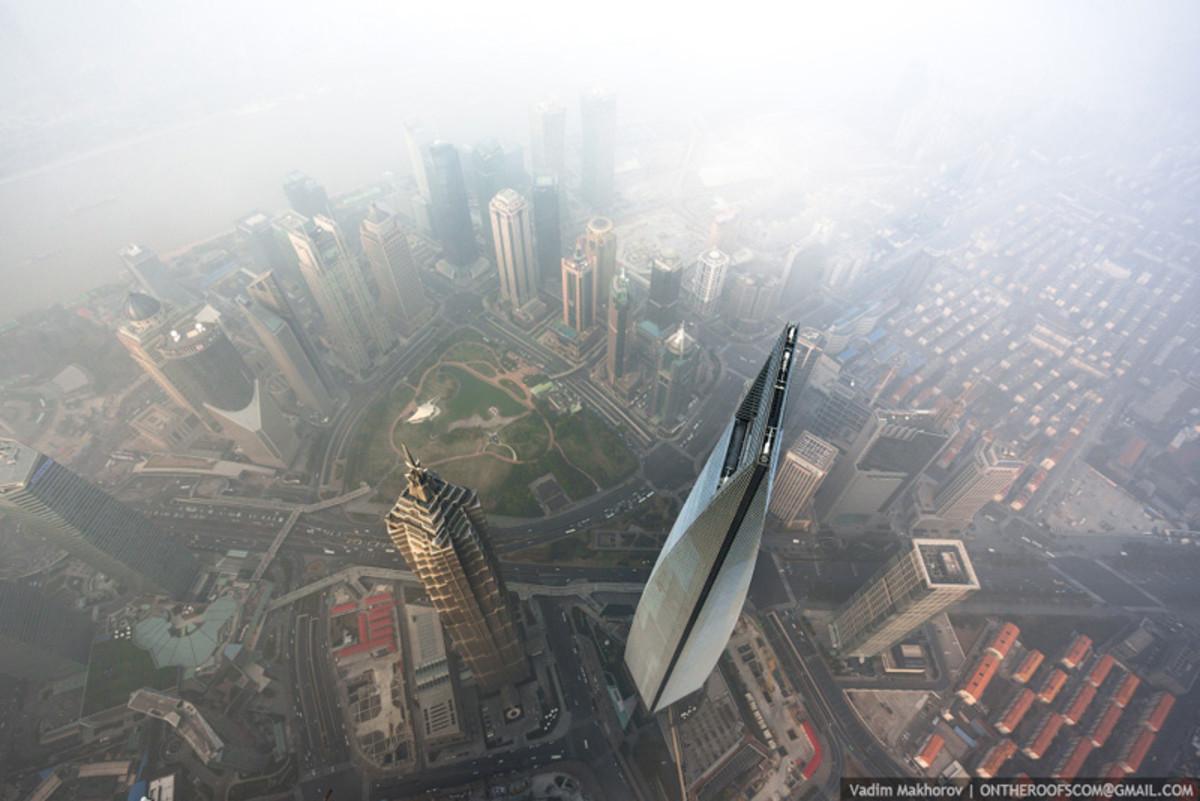 shanghai-tower-climb-pictures-vadim-makhorov-5