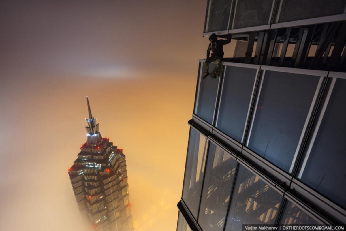 shanghai-tower-climb-pictures-vadim-makhorov-2