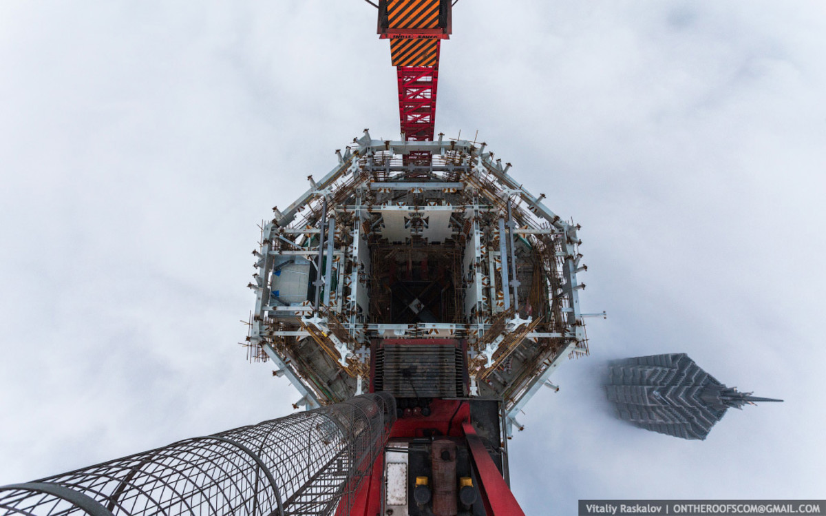 photos-from-shanghai-tower-climb-vitaliy-raskalov-4
