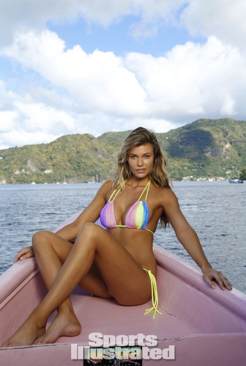 samantha-hoopes-in-sports-illustrated-2014-swimsuit-issue_11