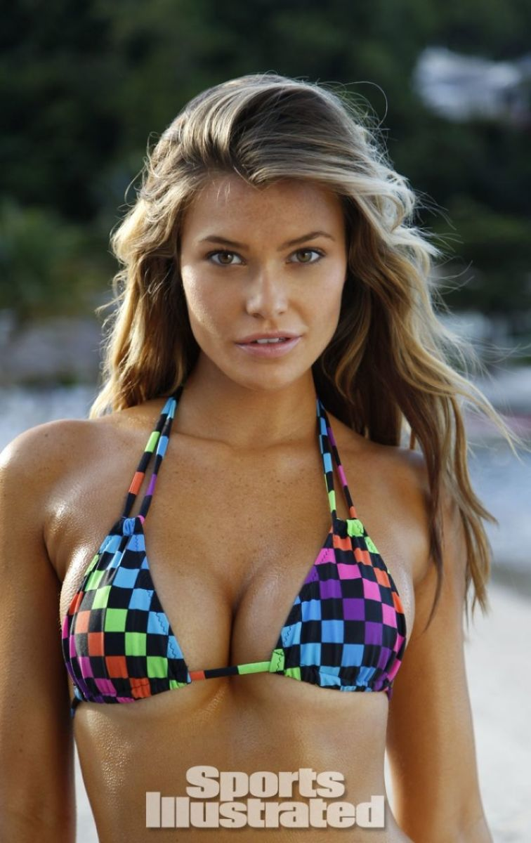 samantha-hoopes-in-sports-illustrated-2014-swimsuit-issue_2