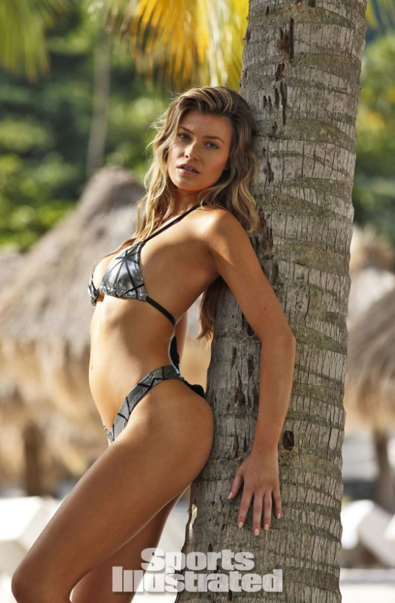 samantha-hoopes-in-sports-illustrated-2014-swimsuit-issue_7