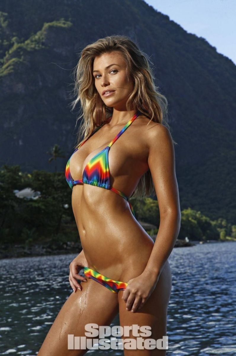 samantha-hoopes-in-sports-illustrated-2014-swimsuit-issue_8
