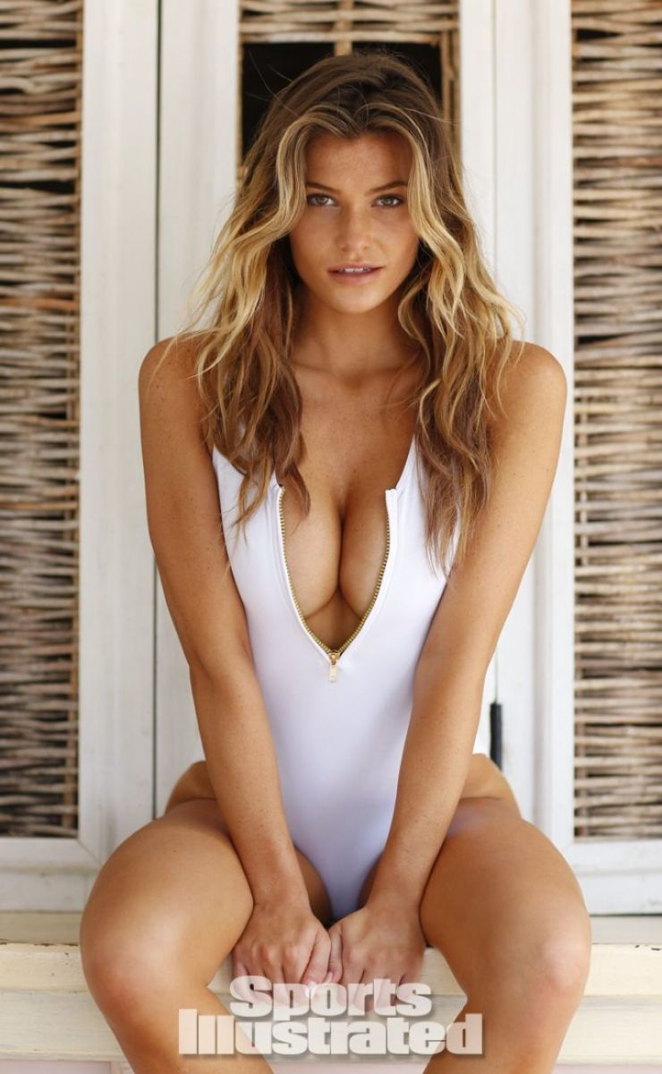 samantha-hoopes-in-sports-illustrated-2014-swimsuit-issue_10
