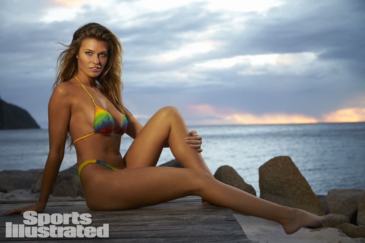 samantha-hoopes-in-sports-illustrated-2014-swimsuit-issue_26