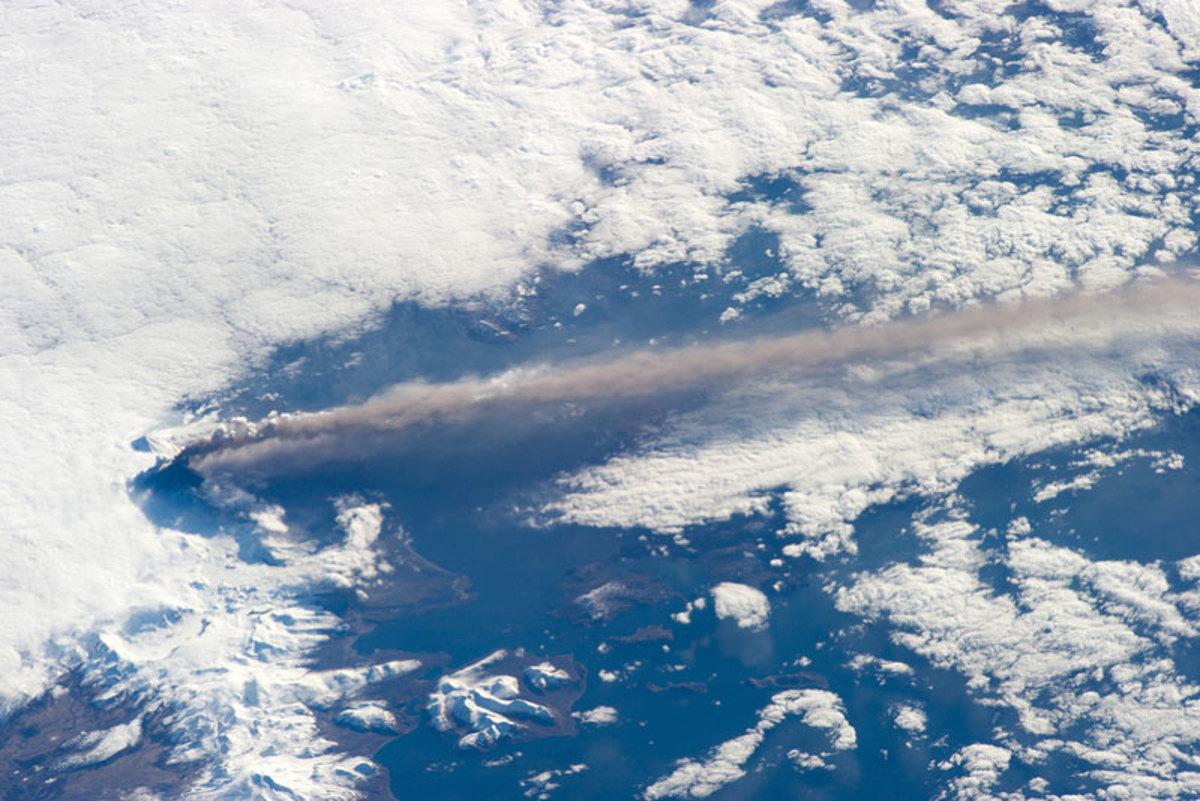 alaska-pavlof-volcano-from-space-aerial-nasa-2