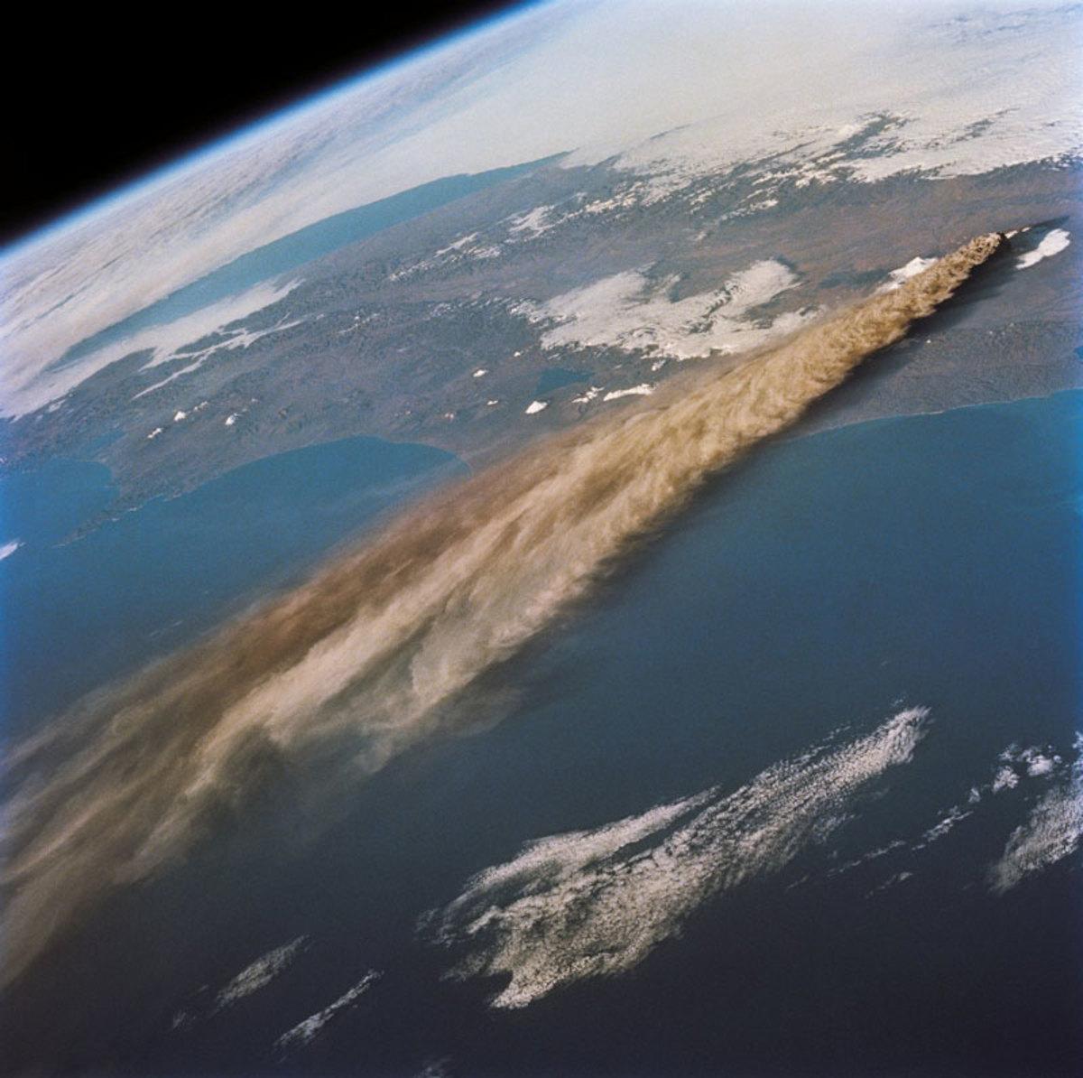 kliuchevskoi-volcano-kamchatika-russia-from-space-aerial-nasa