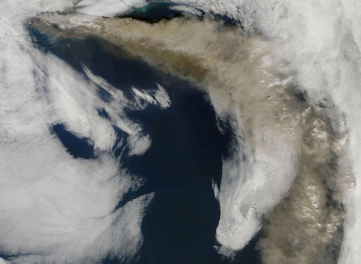 eyjafjallajokull-volcano-iceland-from-space-aerial-nasa1