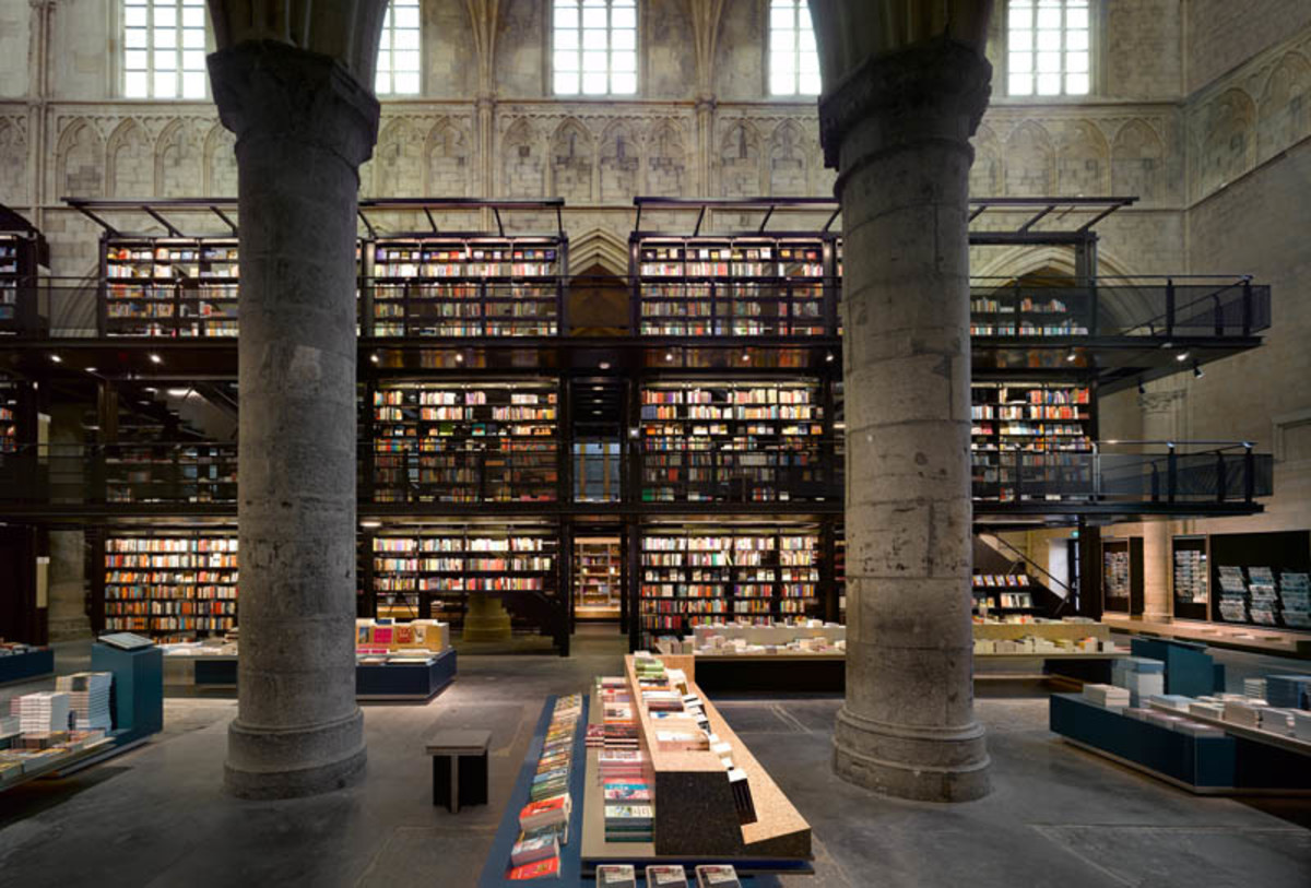 selexyz-dominicanen-bookstore-church-conversion-netherlands-3