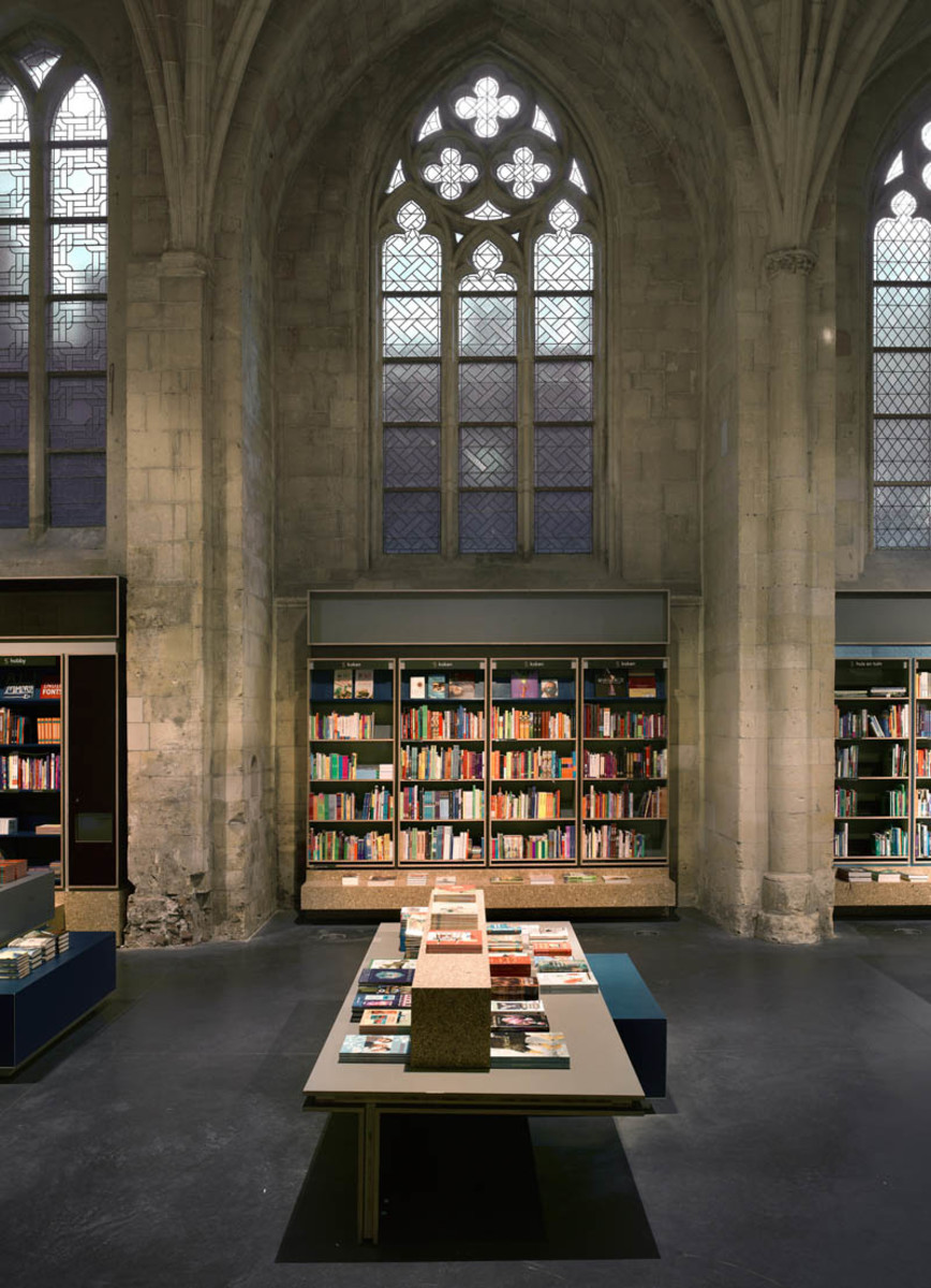 selexyz-dominicanen-bookstore-church-conversion-netherlands-5