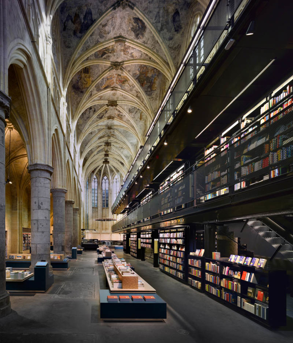 selexyz-dominicanen-bookstore-church-conversion-netherlands-4