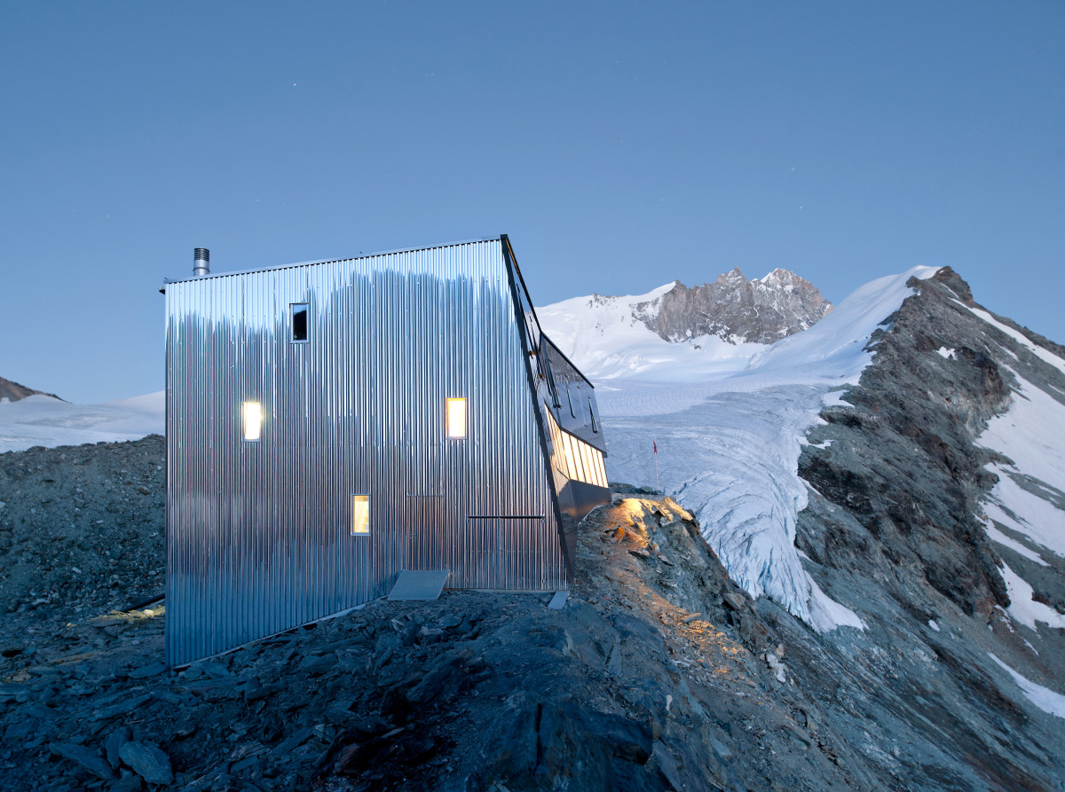new-tracuit-mountain-hut-zinal01
