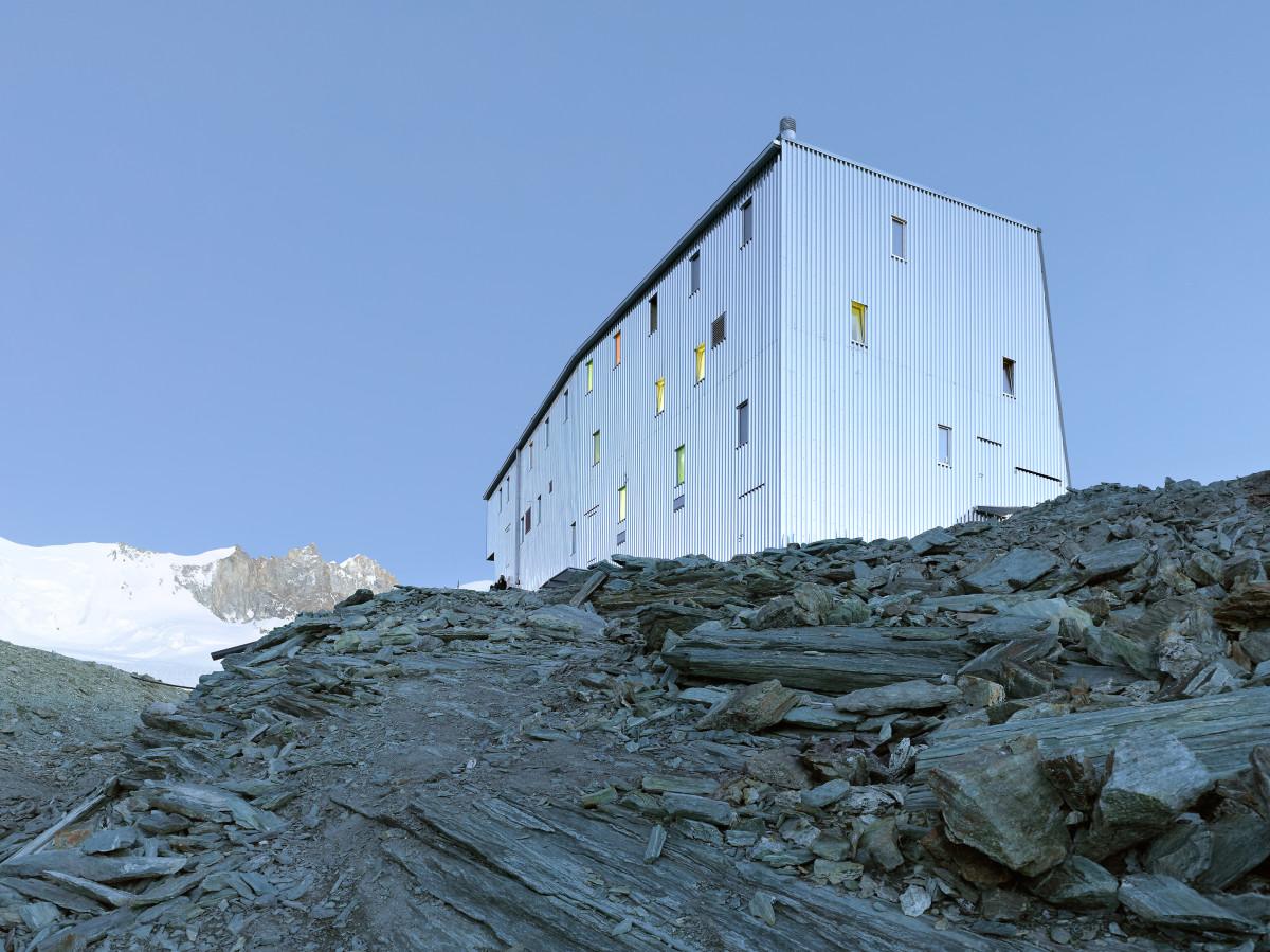 new-tracuit-mountain-hut-zinal02
