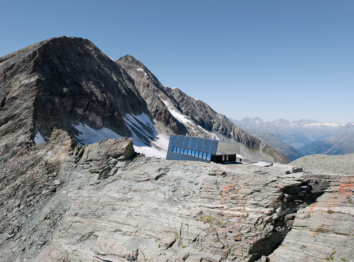 new-tracuit-mountain-hut-zinal03