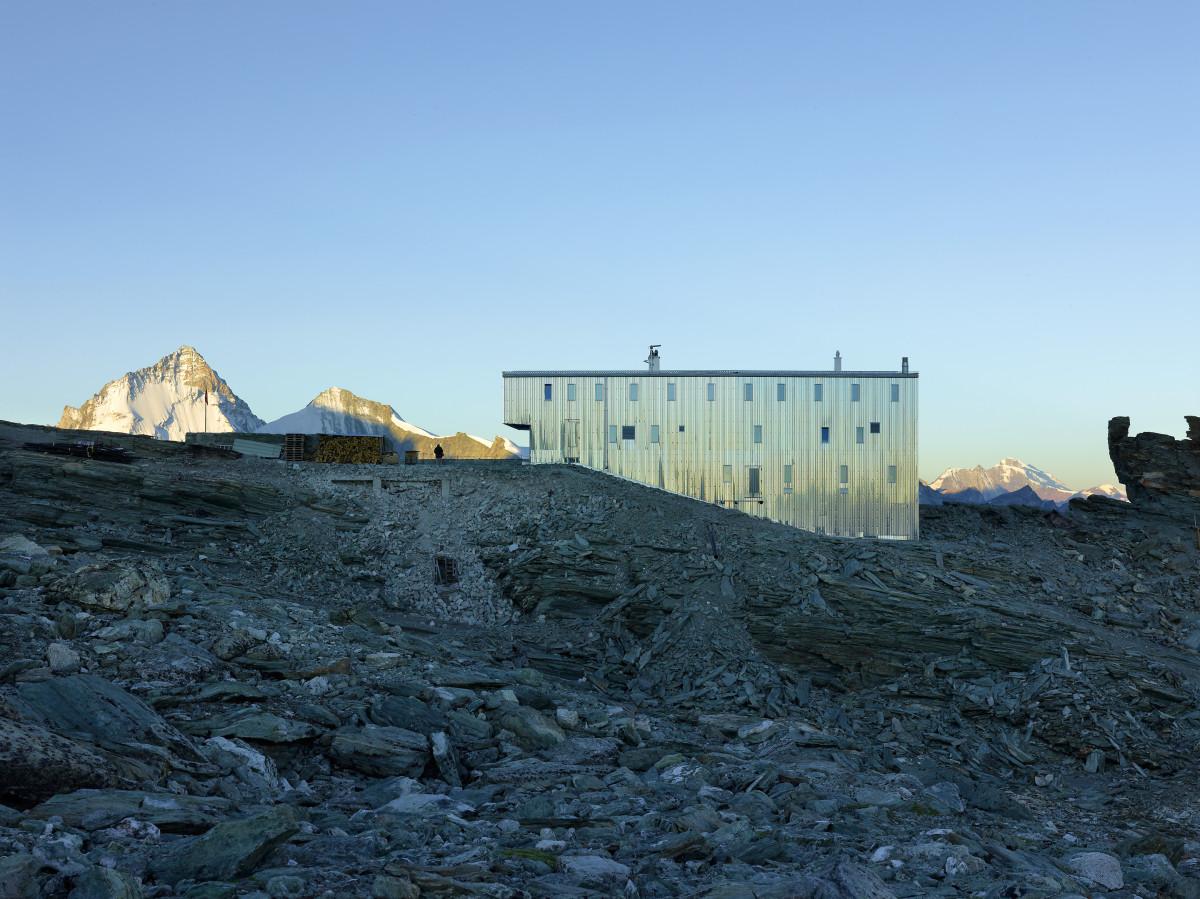 new-tracuit-mountain-hut-zinal04