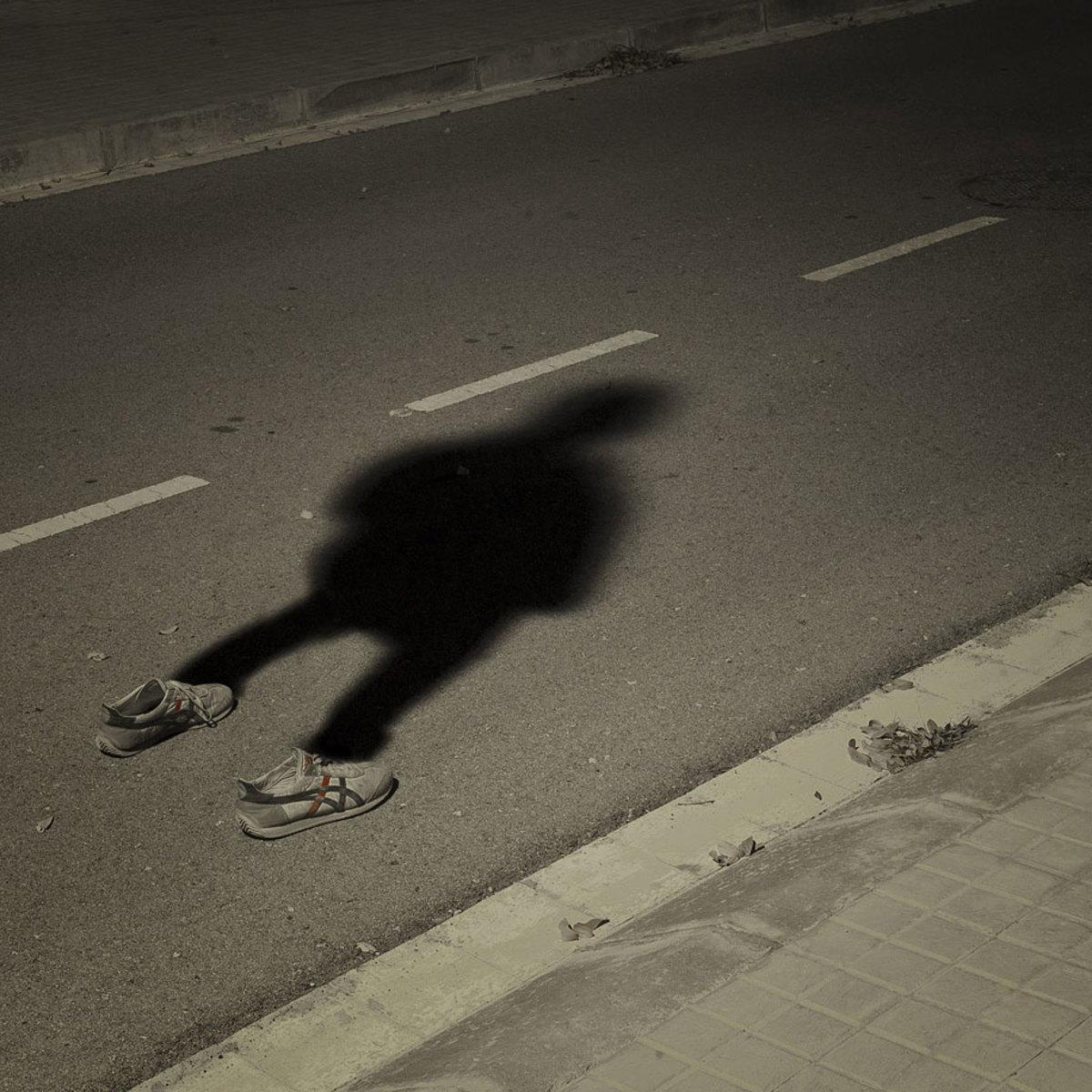 invisible-man-shadows-pol-ubeda-5