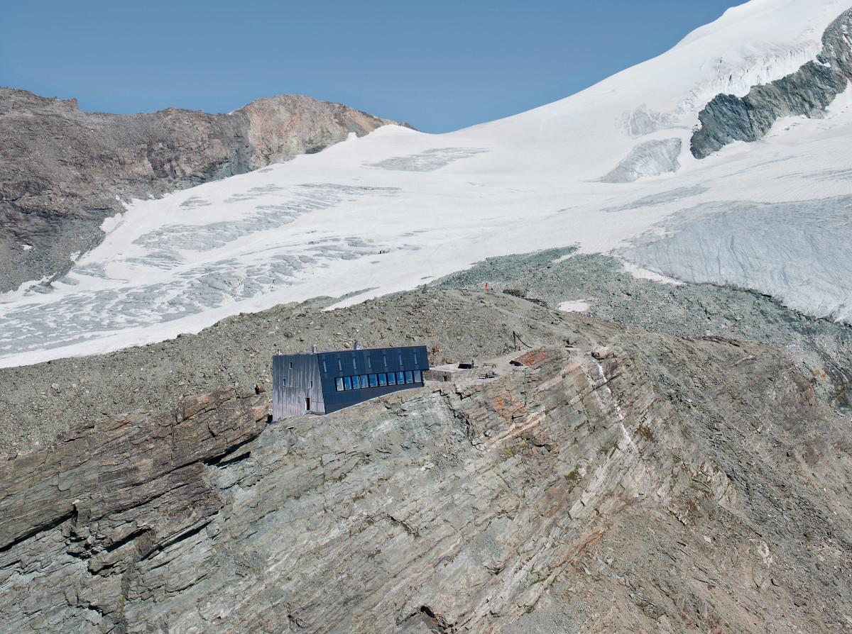 new-tracuit-mountain-hut-zinal14