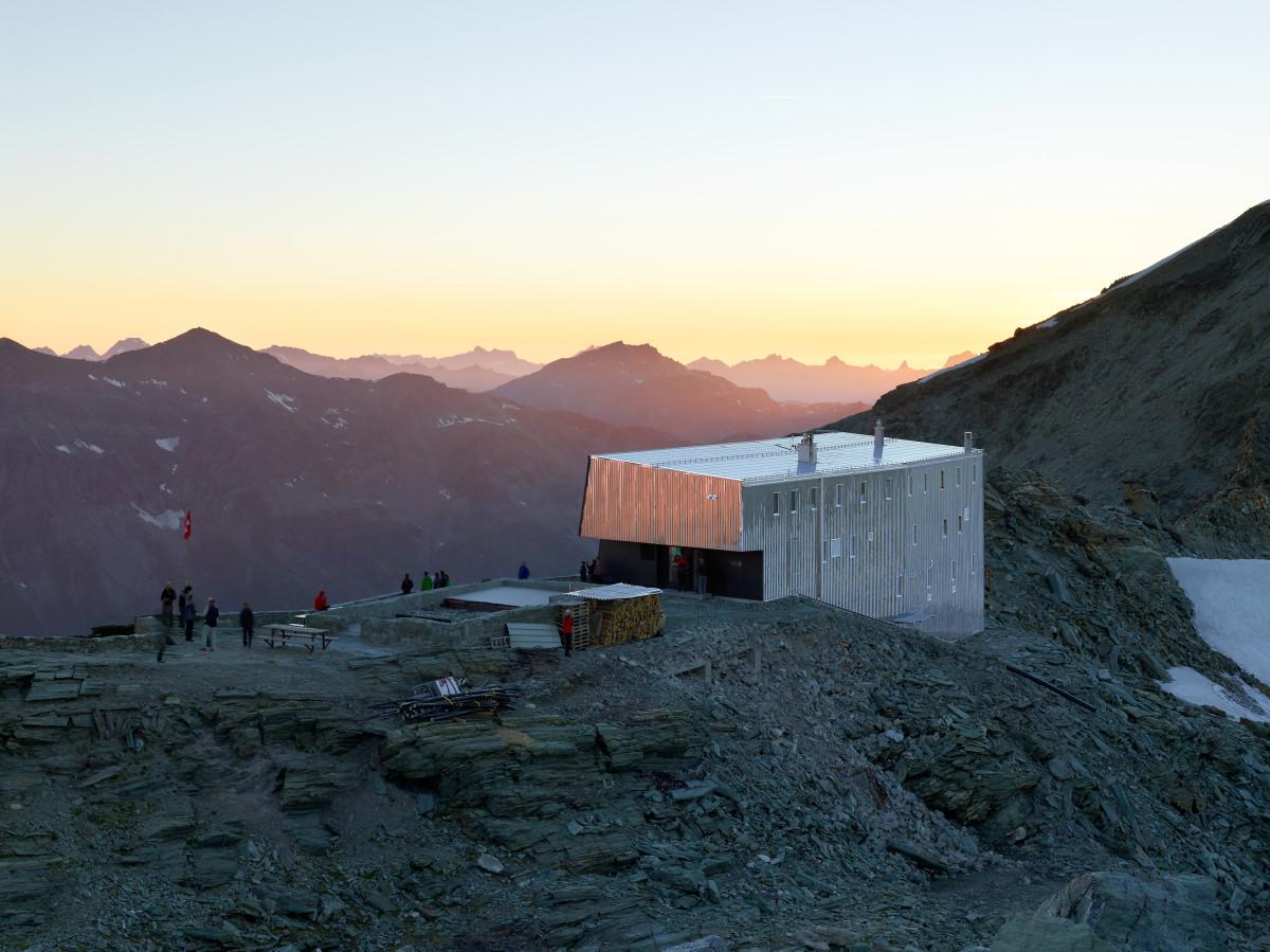 new-tracuit-mountain-hut-zinal13