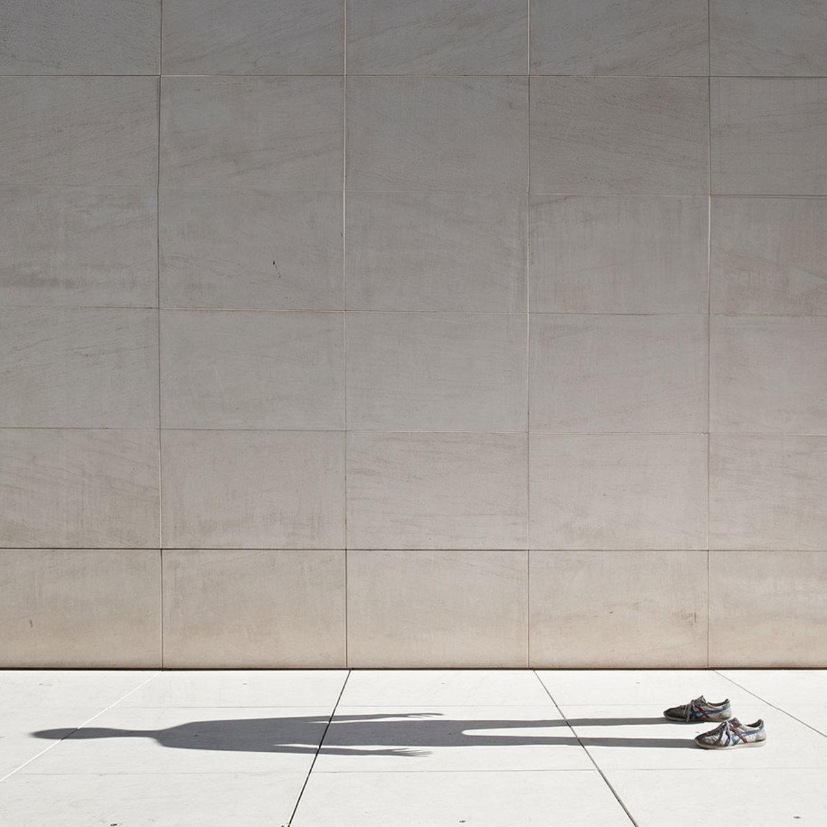 invisible-man-shadows-pol-ubeda-3