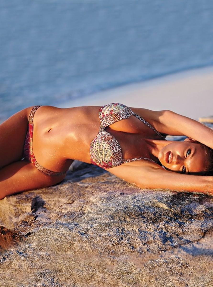 candice-swanepoel-bikini-shoot18
