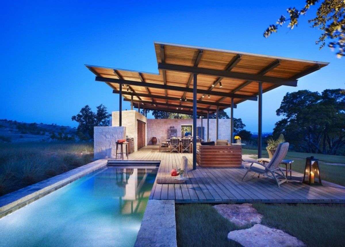 Story-Pool-House-12-800x572