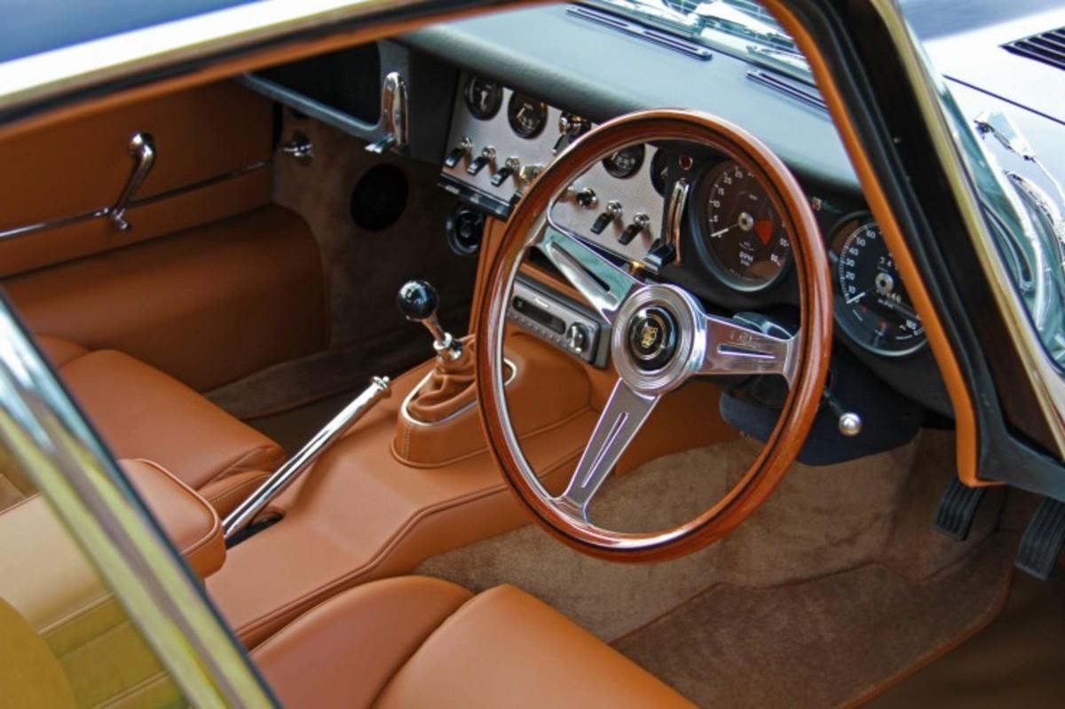 e-type-jaguar-coupe-4-740x493