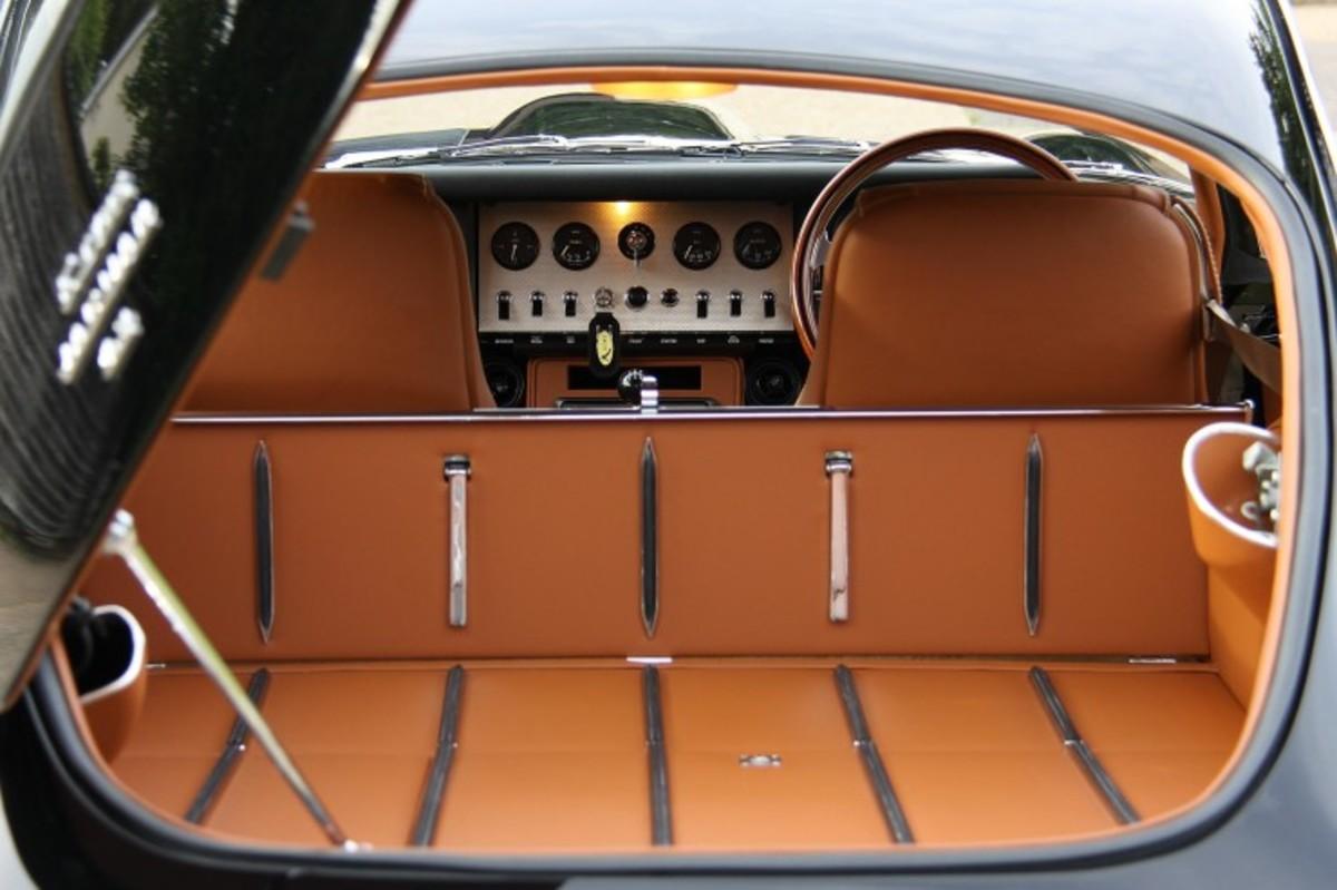 e-type-jaguar-coupe-6-740x493