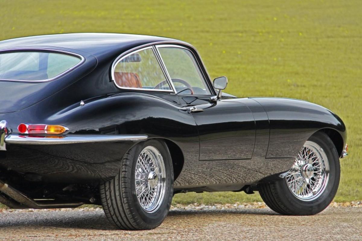 e-type-jaguar-coupe-740x493