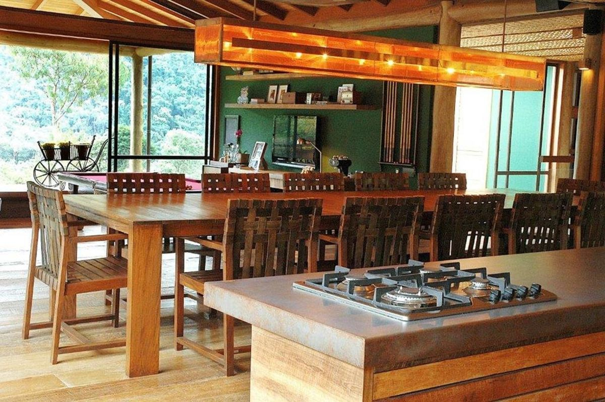 House-Itaipava-Brazil-Kitchen-Dining-1