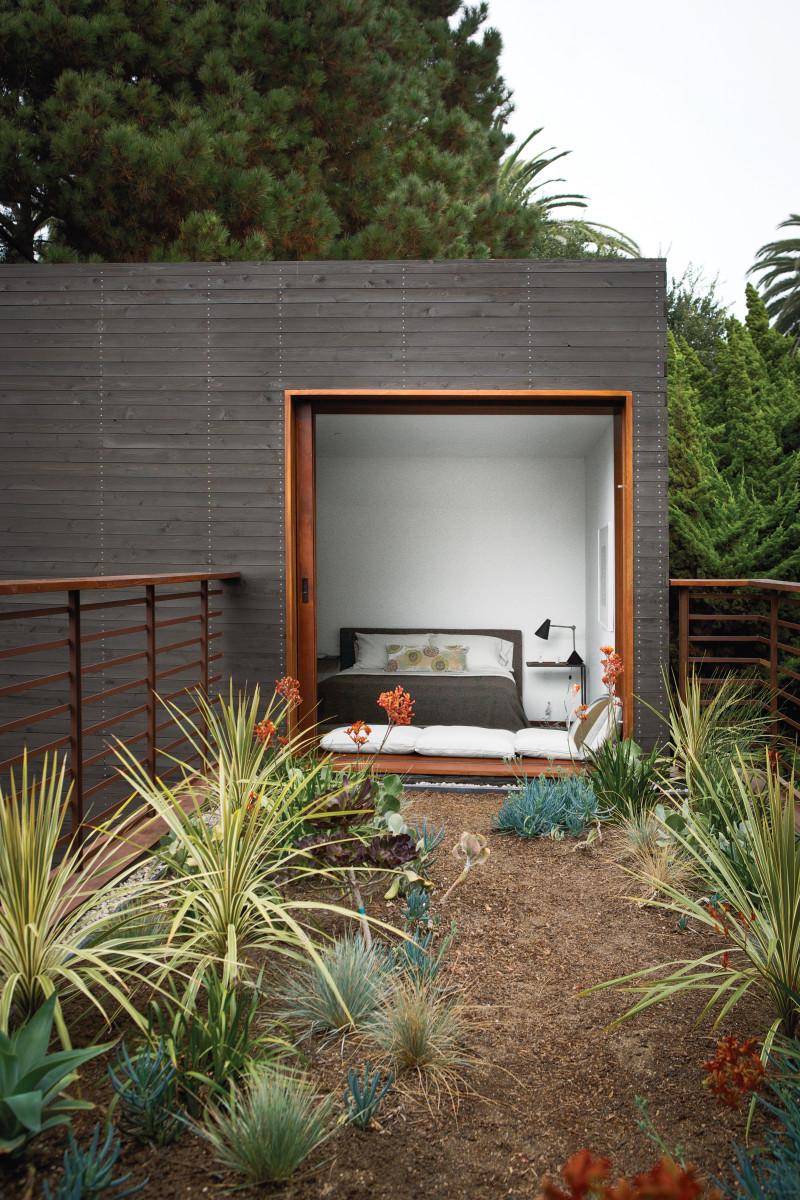 venice-home-landscape-living-room_0