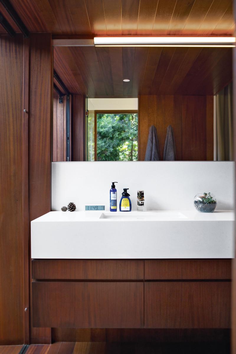 venice-home-interior-bathroom